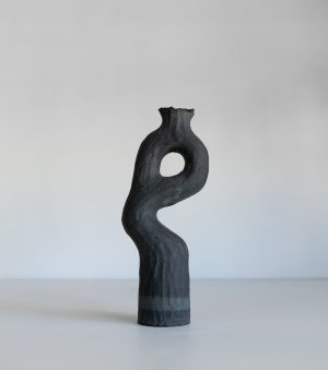 Kerryn Levy - Onishi Vase 20.26 - Ceramic Sculpture